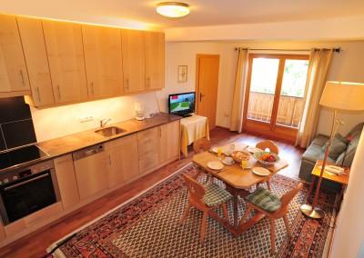 Appartement 12: Küche u. Wohnraum